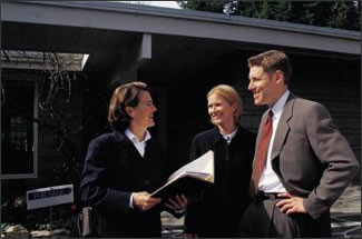 Hire a Professional Real Estate Agent